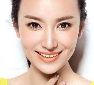 隆鼻假体外露的修复过程